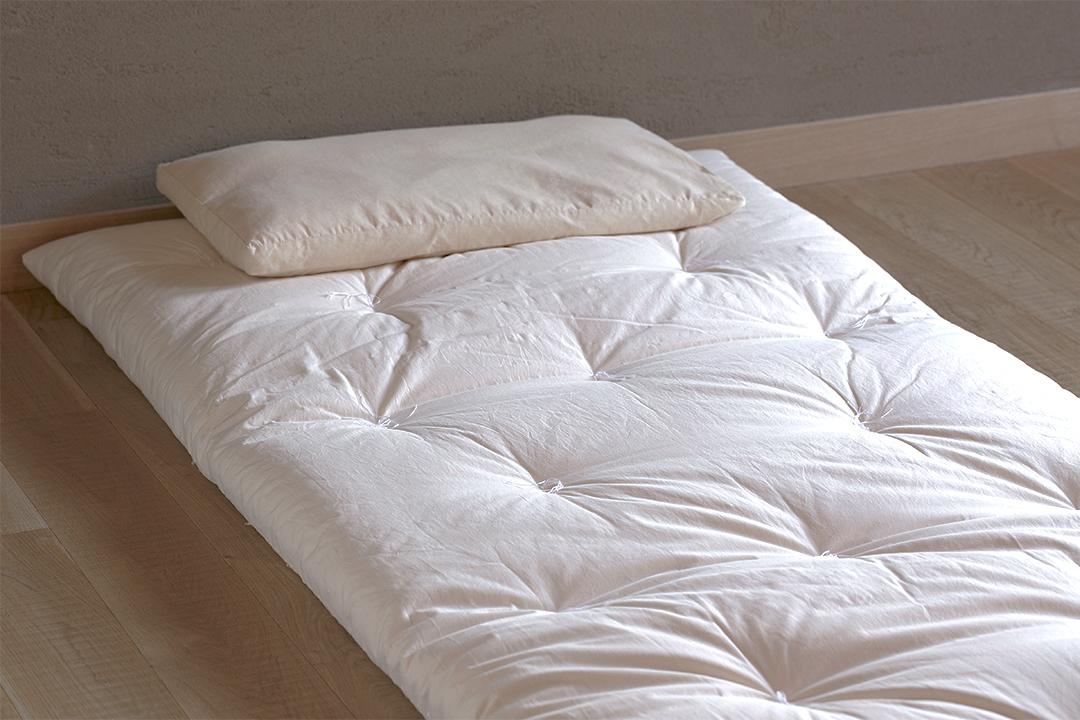 綿敷き布団