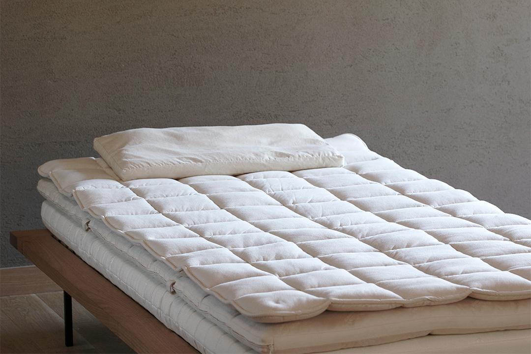 フランスピレネーのやわらかウールベッドパッド700